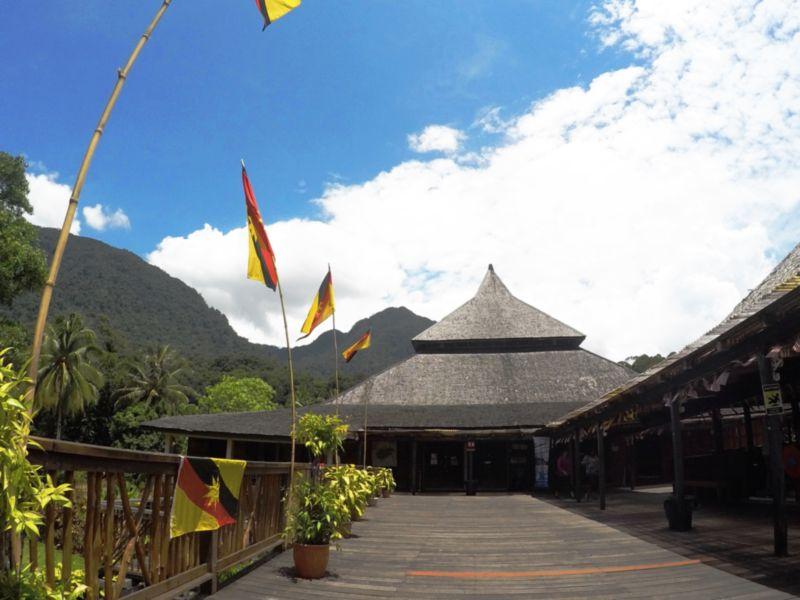 pergi ke sarawak cultural village