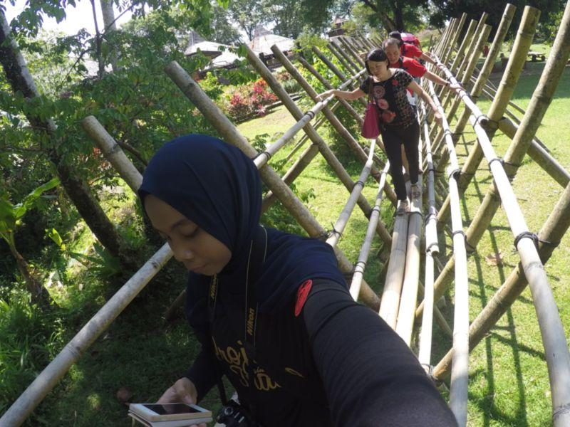 selfie dekat jambatan