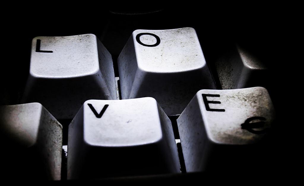 Butang Kekunci Ada Huruf Love